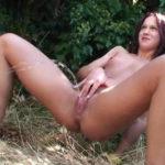 femme qui fait pipi sans culotte 053