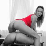 femme qui fait pipi sans culotte 096