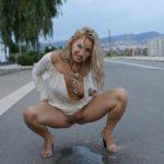 femme sexy qui pisse 052